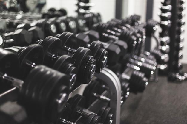 Lựa chọn khối lượng tạ phù hợp khi tập luyện